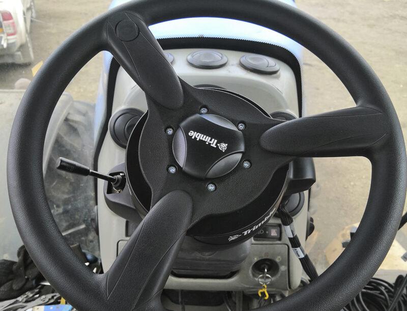 Подруливающее устройство Trimble Ez-Pilot для трактора